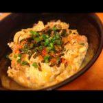 サバ缶のゴマ風味卵とじ丼