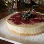 レアチーズケーキ ブルーベリーソース