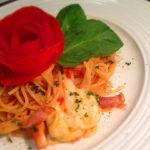 トマトのバラのパスタカプレーゼ